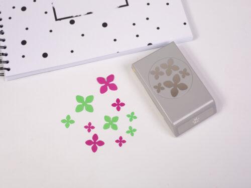 Bloemen confetti figuurpons